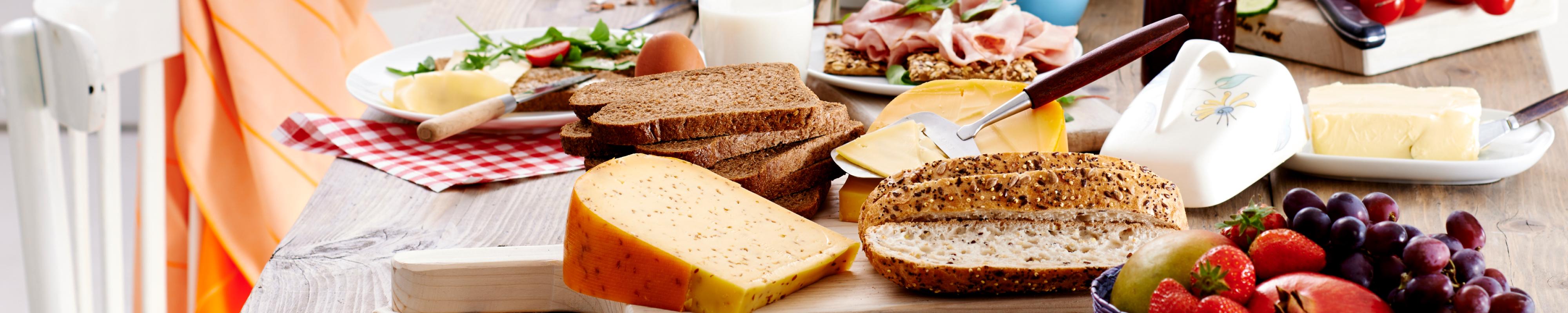 Lunch met boter, kaas en ander beleg