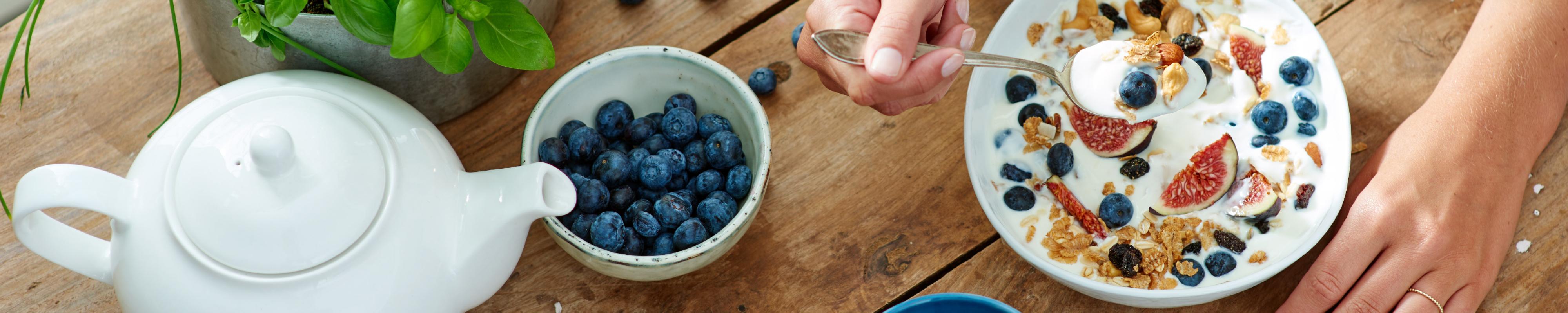 Yoghurt met fruit en muesli
