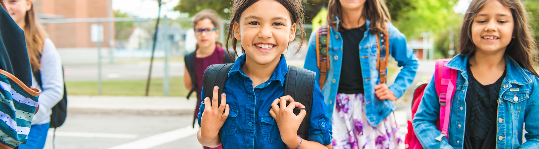 Kinderen op het schoolplein